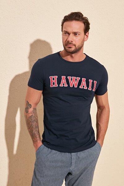 Lacivert Erkek Baskılı Slim Fit T-Shirt TMNSS20TS0089