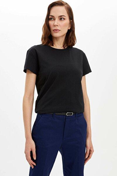 Kadın Siyah Basic Kısa Kollu T-Shirt M9238AZ.20SP.BK27