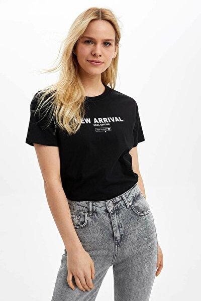 Kadın Siyah Baskılı Kısa Kollu T-Shirt N9302AZ.20SP.BK27