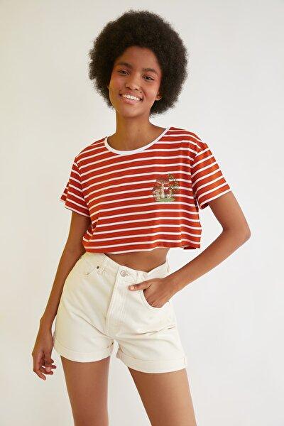 Tarçın Nakışlı Super Crop Örme T-Shirt TWOSS21TS2779