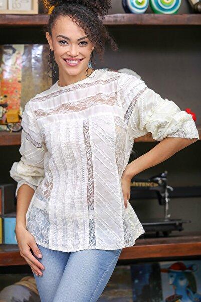 Kadın Ekru Vintage Patchwork Dantel Detaylı Bluz M10010200BL96379