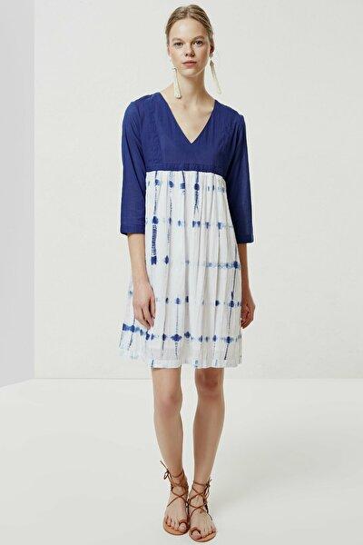 Kadın Mavi Desenli V Yaka Batik Elbise 0YKEL7102X
