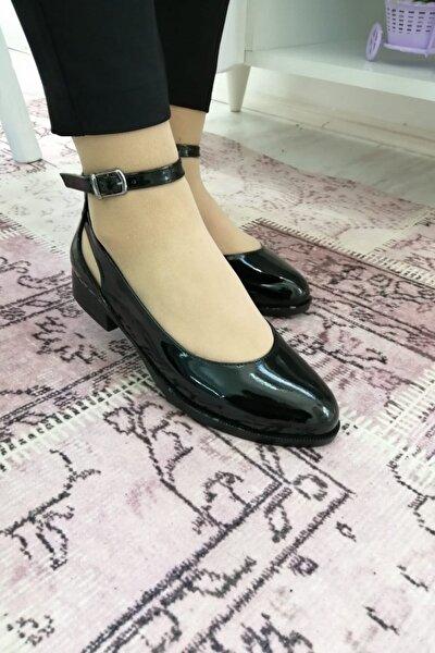 Bilekten Bağlamalı Ökçeli Ayakkabı