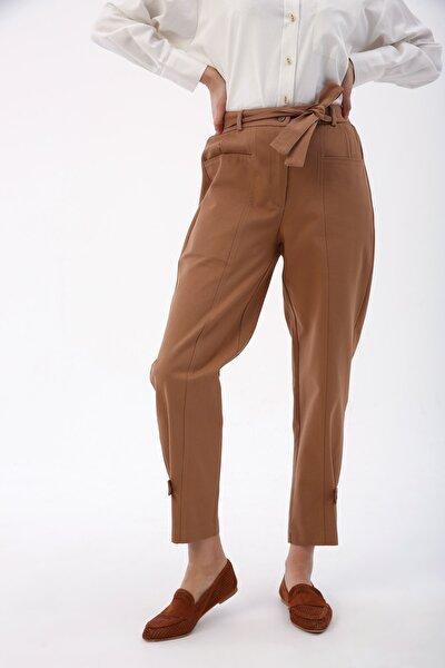 Kadın Açık Kahve Paça Düğme Detaylı Bel Lastikli Kemerli Pantolon