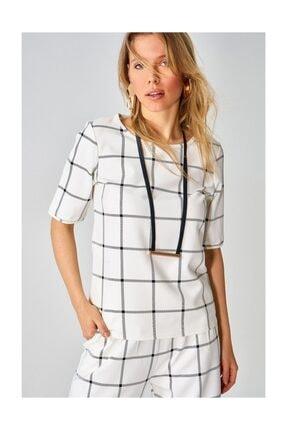 Boutiquen Kadın Ekru Kareli Bluz