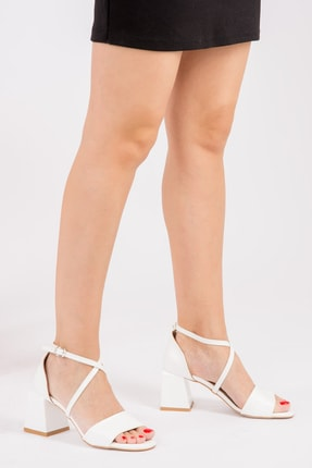 Fox Beyaz Kadın Klasik Topuklu Ayakkabı H654087008