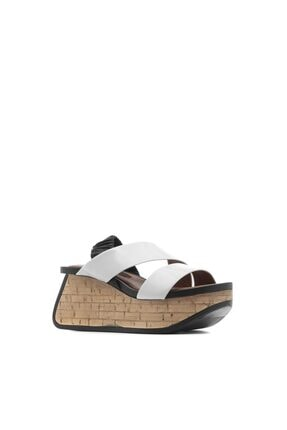 İlvi Alan Kadın Sandalet Beyaz Kırışık Rugan-siyah