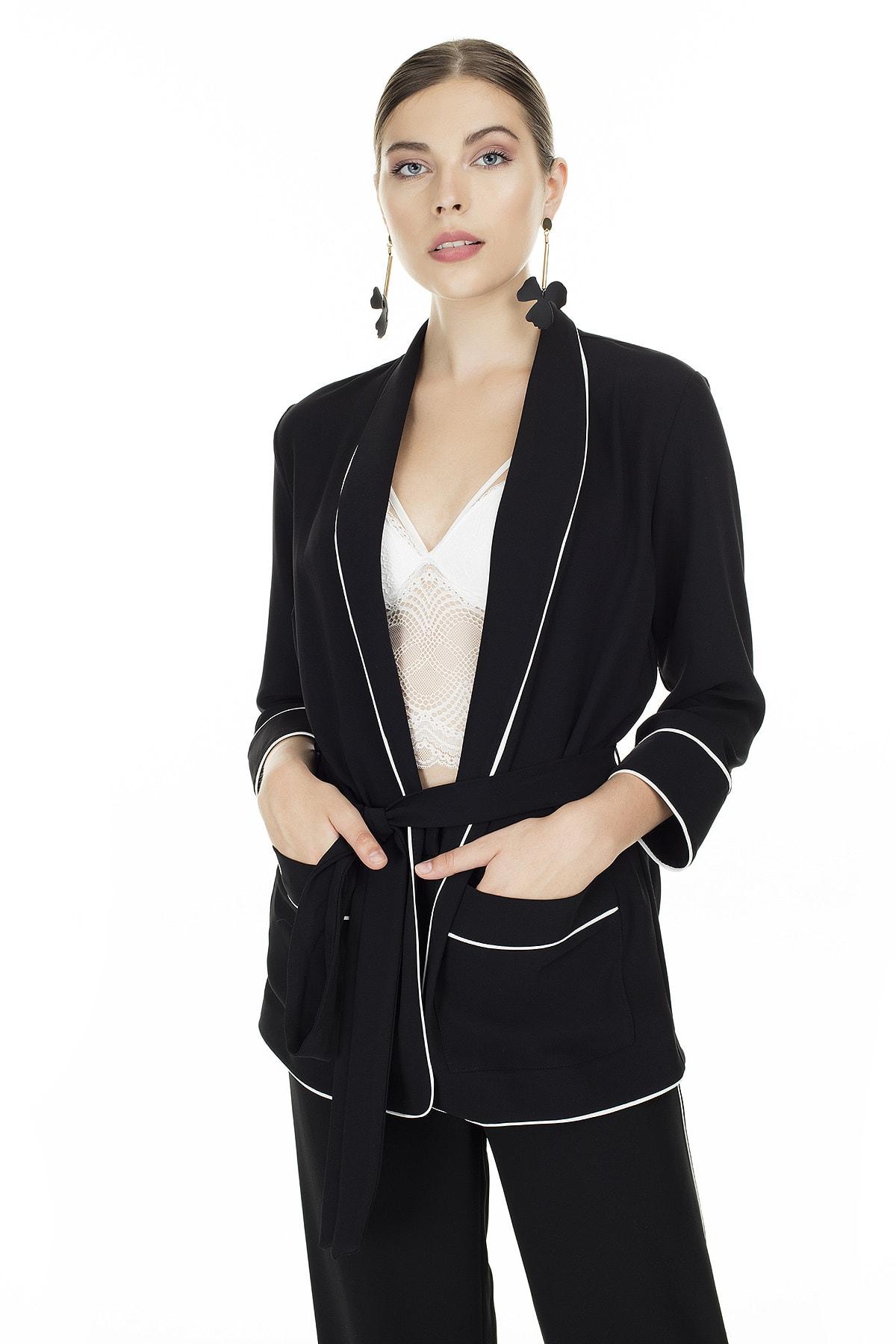 Ayhan Siyah Belden Bağlamalı Ceket Kadın Ceket 04690365