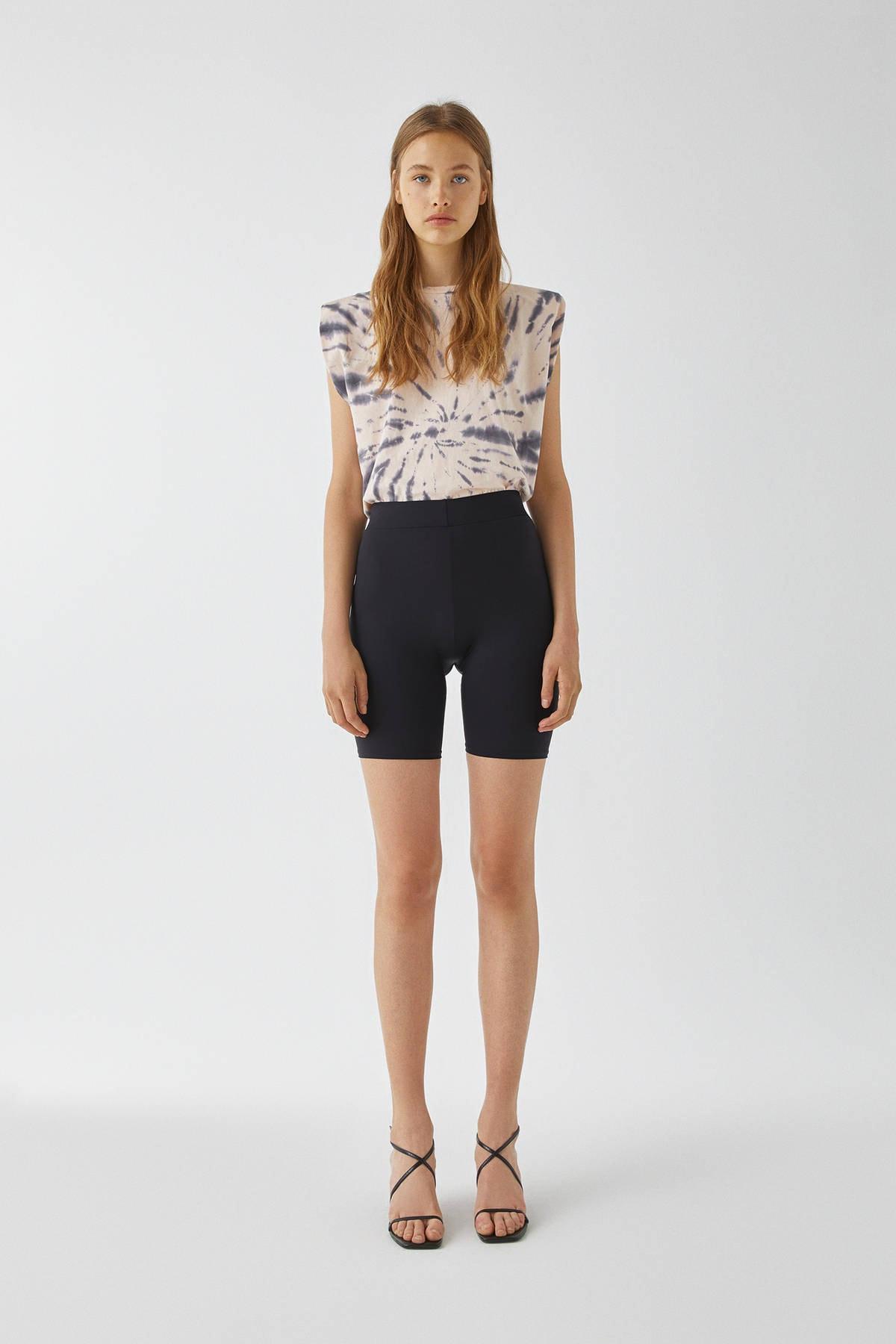 Pull & Bear Kadın Soluk Pembe Vatkalı Batik Desenli T-Shirt 09247302