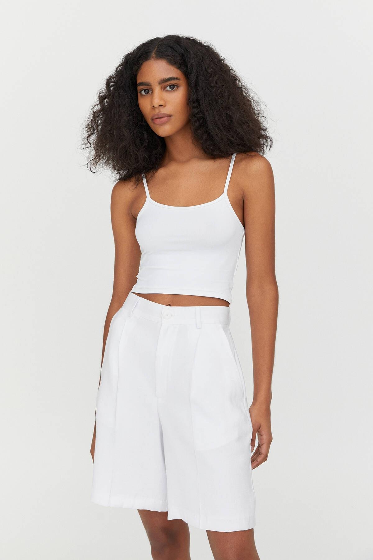 Pull & Bear Kadın Beyaz Askılı Crop Top 04241352