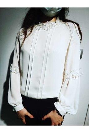 Seçil Beyaz Çiçek Detaylı Şık Bluz-4013