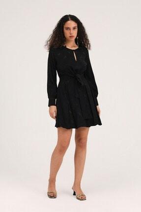 Quzu Bağlama Detaylı Pileli Midi Elbise Siyah