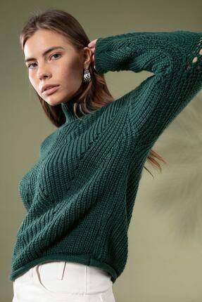 Y-London Kadın Koyu Yeşil Boğazlı Düşük Kol Delikli Kısa Kazak 5111 Y19W143-5111-1