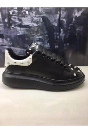 Alexander McQueen Kadın Siyah Zımbalı Sneaker