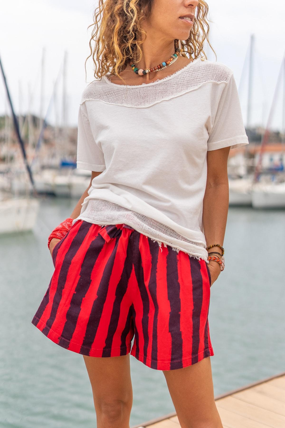 Güneşkızı Kadın Ekru Yıkamalı Eteği Ve Omzu Fileli Yumuşak Dokulu Salaş T-Shirt GK-RSD2063