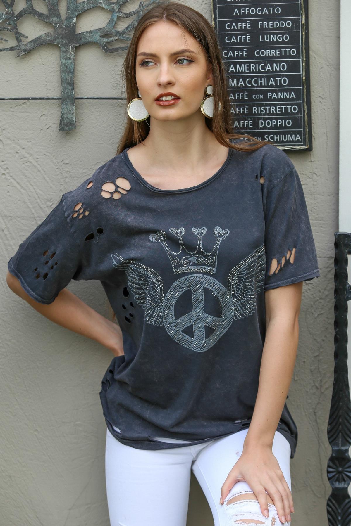 Chiccy Kadın Antrasit Sıfır Yaka Kanatlı Peace Baskı Lazer Kesik Detaylı Yıkamalı T-Shirt M10010300TS98213
