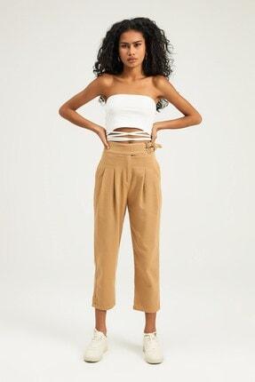 Quzu Kadın Camel Rengi Yanı Tokalı Pileli Pantolon