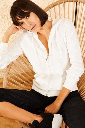 Bianco Lucci Kadın Beyaz Kapüşonlu Fermuarlı Sweat Hırka 10111001