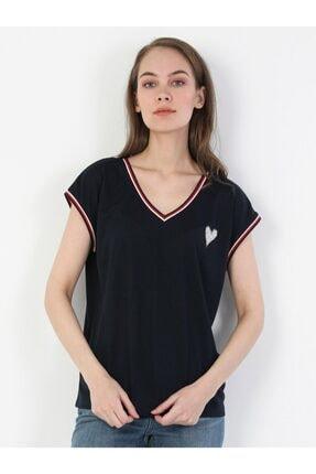 Colin's Regular Fit Standart Kol V Yaka Lacivert Kadın Kısa Kol Tişört