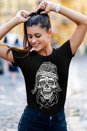 Rock & Roll34 Nepalli Kurukafa Siyah Kısa Kollu Kadın T-shirt
