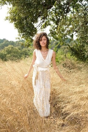 Quzu Kadın Beyaz V Yaka Hasır Kemer Detaylı Elbise