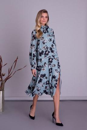 Gizia Kadın Mavi Desenli Fular Detaylı Yırtmaçlı Midi Elbise
