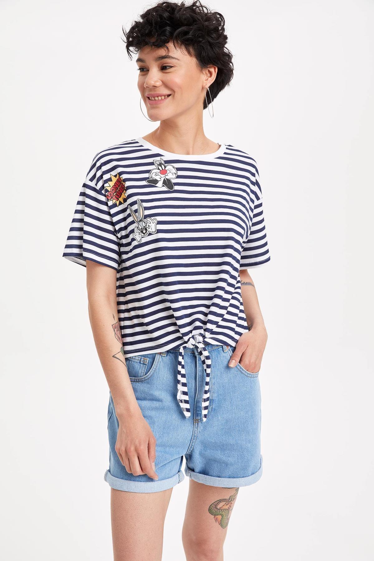 DeFacto Kadın Çivit Mavisi Warner Bros Lisanslı Relax Fit T-shirt K9038AZ.19SM.IN95