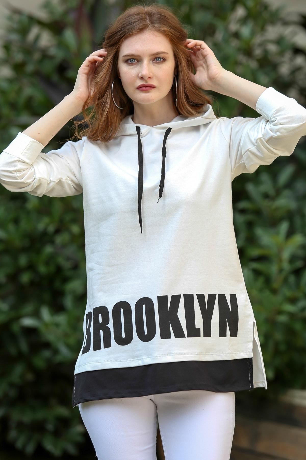 Chiccy Kadın Ekru Vintage Brooklyn Baskılı Kapüşonlu Sweat M10010700SW99340