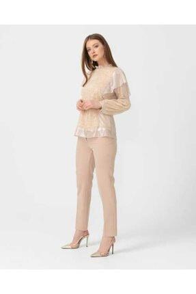 Seçil Kadın Bej Pul Detaylı Bluz