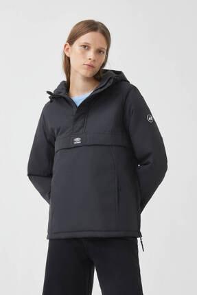 Pull & Bear Kadın Siyah Basic Kanguru Cepli Mont 09710315