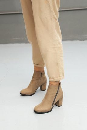 Ayakkabı Modası Kadın Kısa Arkadan Püsküllü Bot