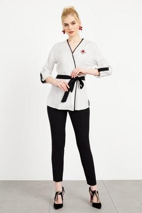 Moda İlgi Kadın Ekru Ekose Kruvaze Bluz