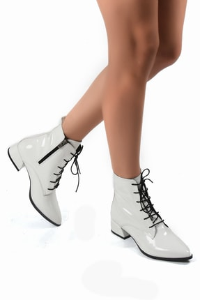 Sapin Kadın Beyaz Bağcıklı Topuklu Bot
