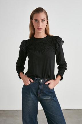 TrendyolMilla Siyah Omuz Detaylı Örme Bluz TWOAW21BZ0889