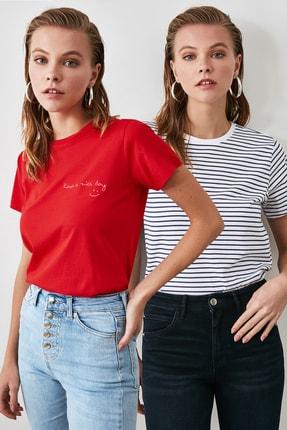 TrendyolMilla Kırmızı Nakışlı ve Siyah Beyaz Çizgili 2'li Paket Bisiklet Yaka Basic Örme T-Shirt TWOAW21TS0076