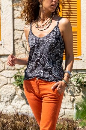 Güneşkızı Kadın Siyah-Beyaz Desenli Askılı Krep Bluz GK-BST2845
