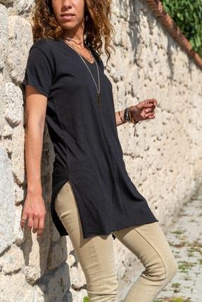 Güneşkızı Kadın Sıyah Yanı Yırtmaçlı V Yaka Uzun T-Shırt GK-BST6007-2