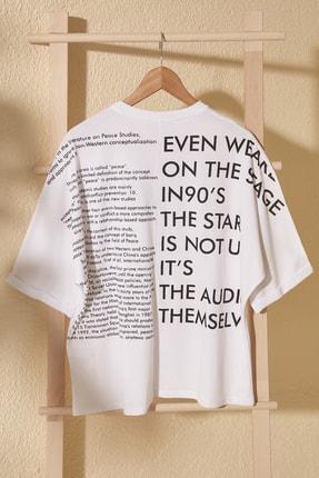 TrendyolMilla Beyaz Ön Ve Sırt Baskılı Boyfriend Örme T-Shirt TWOSS20TS1275