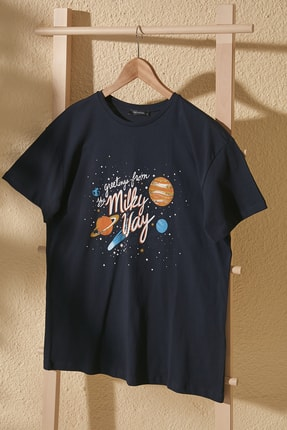 TrendyolMilla Lacivert Baskılı Boyfriend Örme T-Shirt TWOSS20TS1048