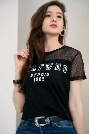 Morpile Omuz File Detaylı Tshirt