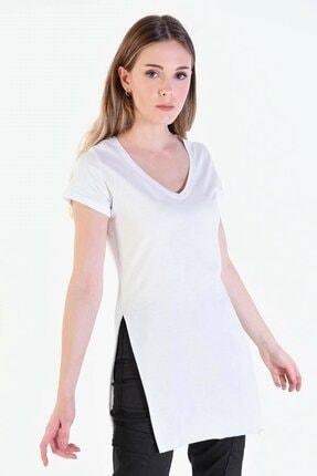 Eka Kadın Beyaz V Yaka Kısa Kol Yırtmaçlı T-shirt