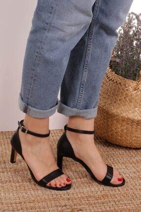 Mio Gusto Carrie Siyah Tek Bantlı Sandalet