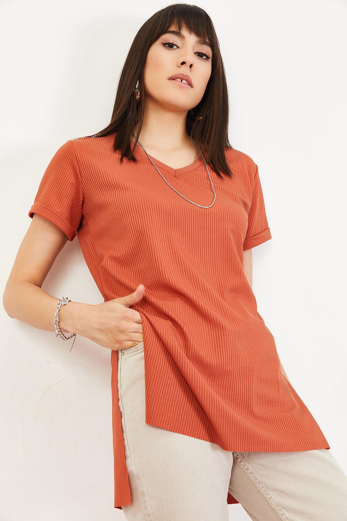 Bianco Lucci Kadın Kiremit Kol Yan Yırtmaçlı Kol Detay Kaşkorse T-Shirt 10051012