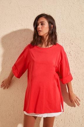 TrendyolMilla Kırmızı Katlama Kollu Asimetrik Örme T-Shirt TWOSS20TS1758