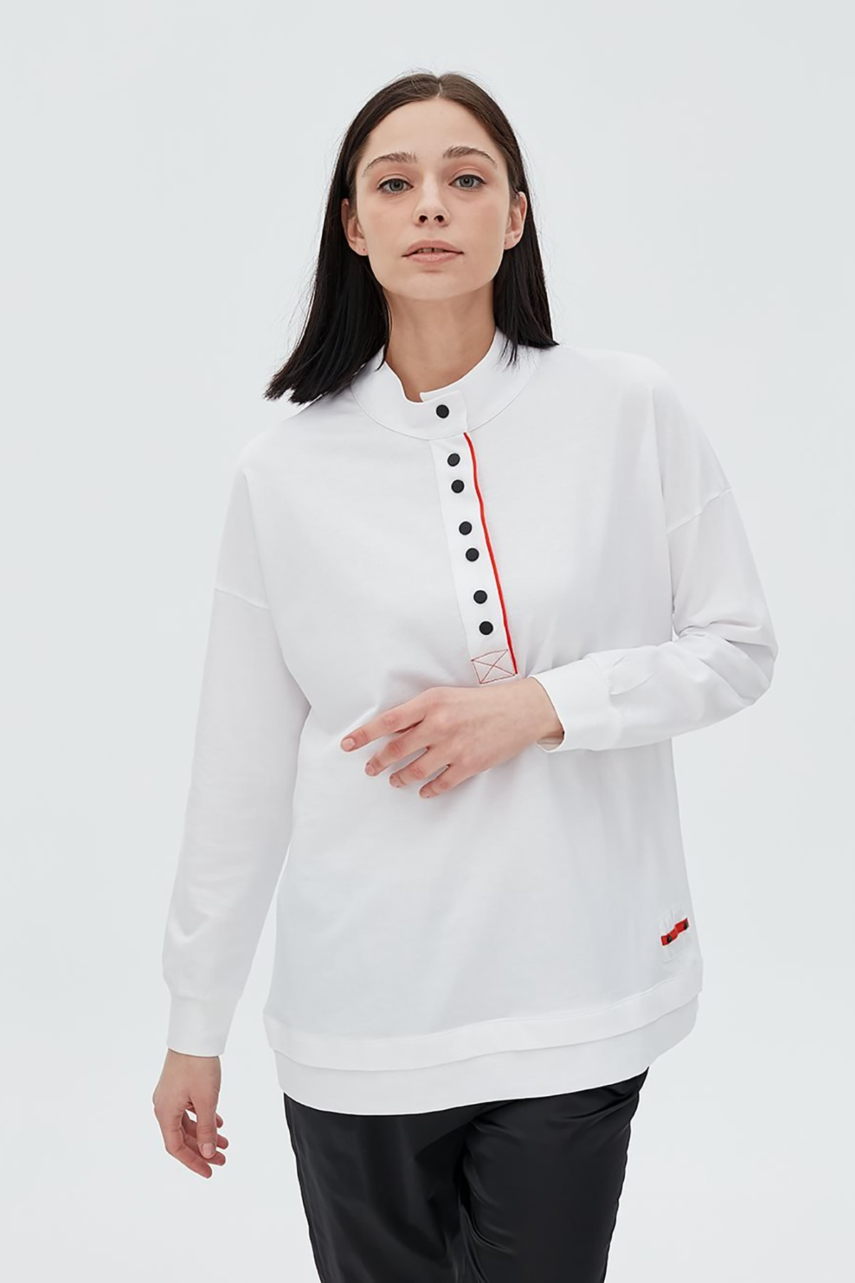 Kayra Patı Kontrast Renk Biyeli Sweatshirt Ekru B20 10032