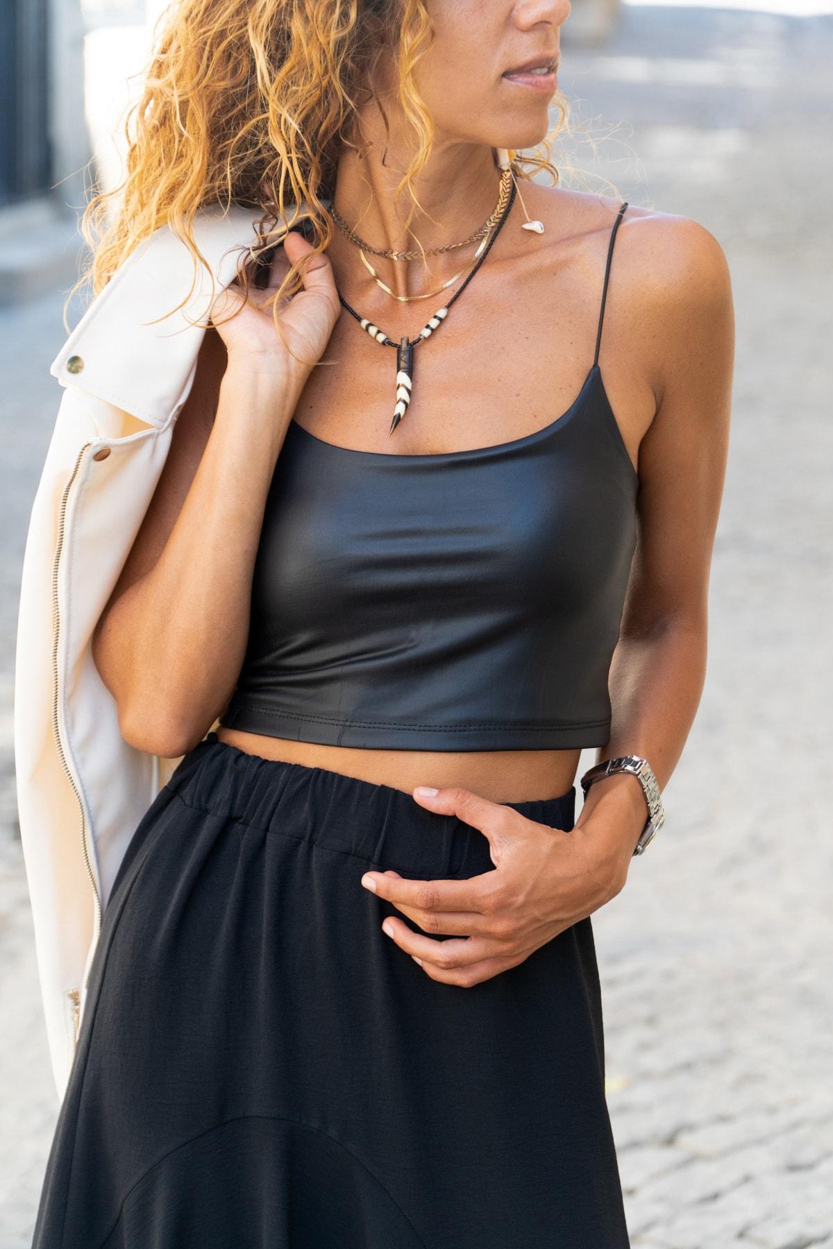 Güneşkızı Kadın Siyah İp Askılı Crop Deri Büstiyer GK-CCKP101