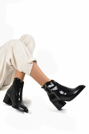 Sapin Kadın Siyah Topuklu Bot