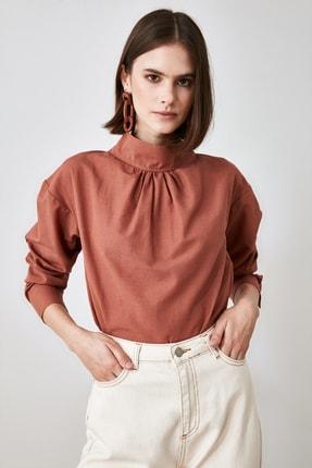 TrendyolMilla Kahverengi Boğazlı Bluz TWOAW21BZ0943