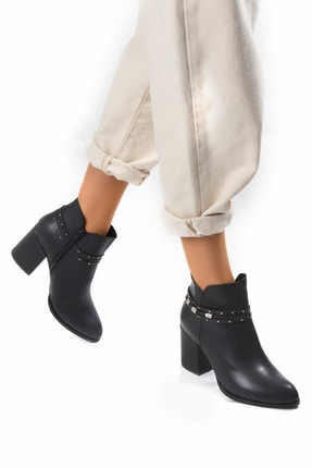 Sapin Kadın Siyah Topuklu Bot 33702