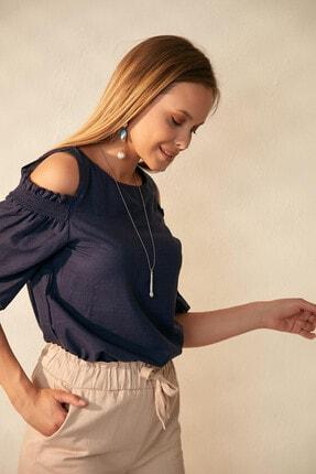 Morpile Kadın Lacivert Omuz Detaylı Bluz